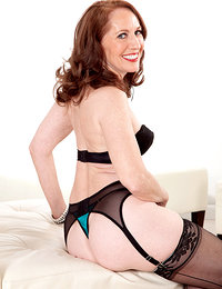 The MILF-next-door takes the plunge!